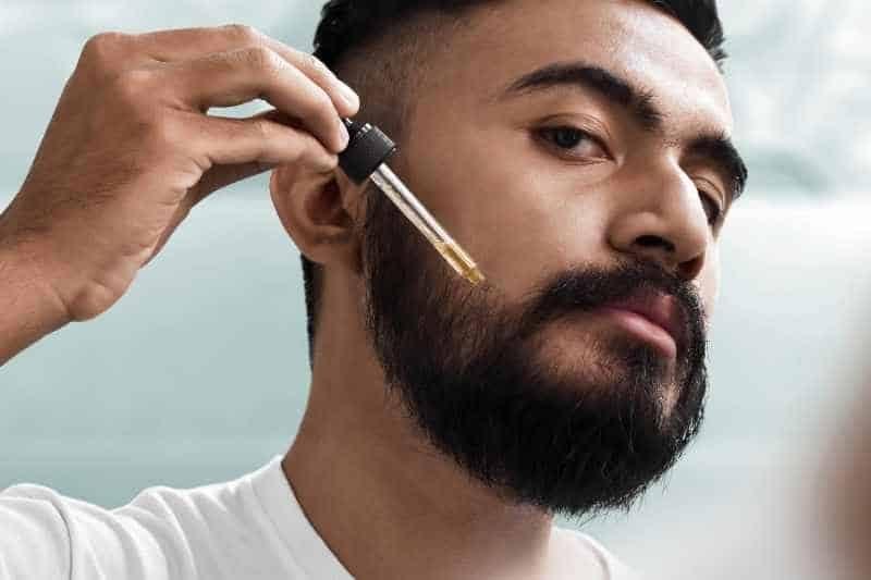 aplikacja olejku do brody