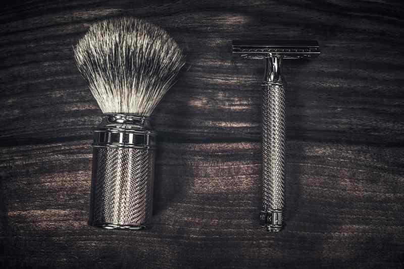 Pędzel do golenia i maszynka na żyletki
